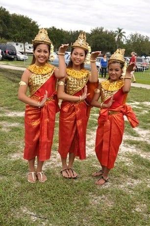 SPIFFS International Folk Fair Thai Dancers
